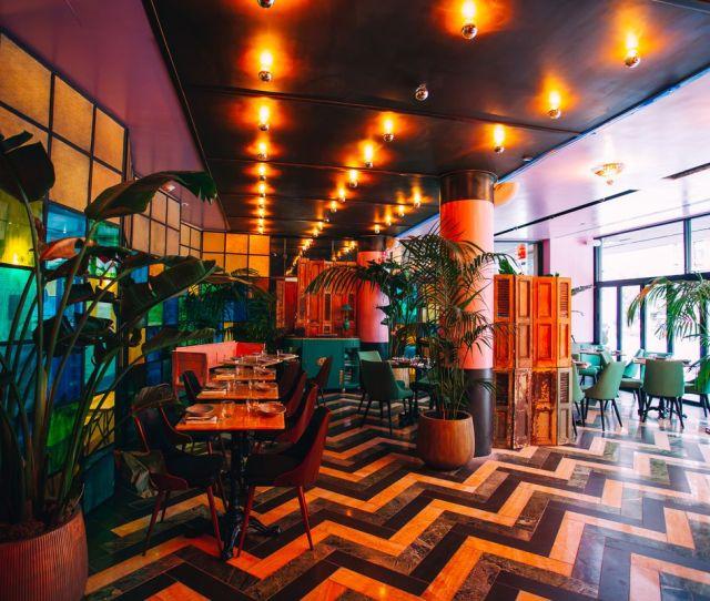 Hells Kitchen Now Has A Delightfully Zany S Inspired Bar
