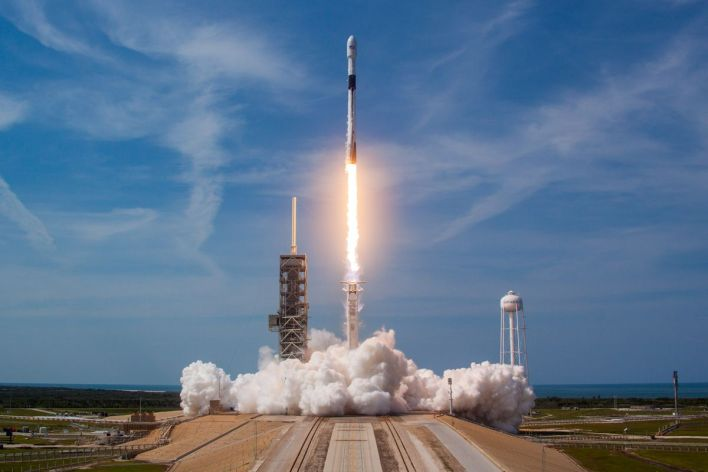 spacex's new falcon 9 rocket still needs a key update before it can fly astronauts - the verge