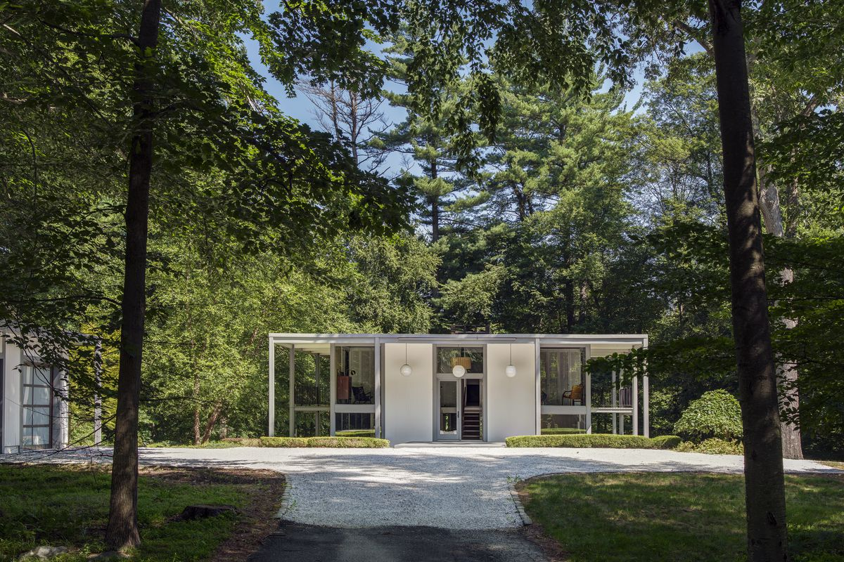 The 10 best midcentury modern homes of 2017   Curbed The DeSilver House in New Canaan  Connecticut  was designed in 1961 by  Harrison DeSilver and John Black Lee  Photo by Michael Biondo