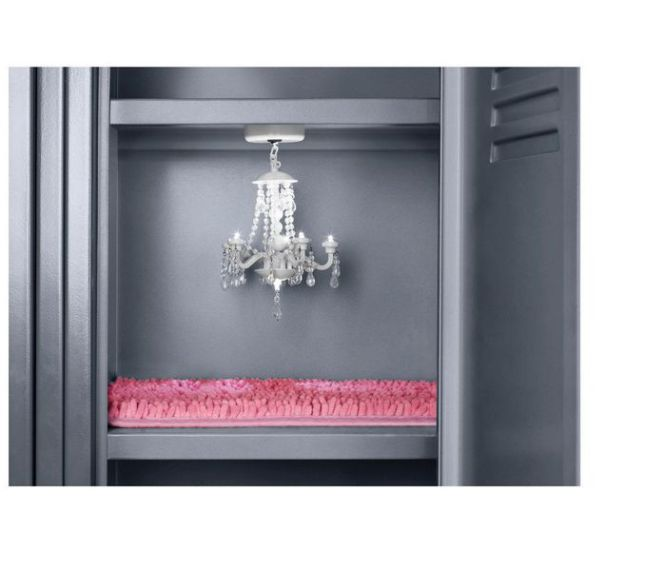 Magnetic Chandelier 9 99 Locker Rug 6