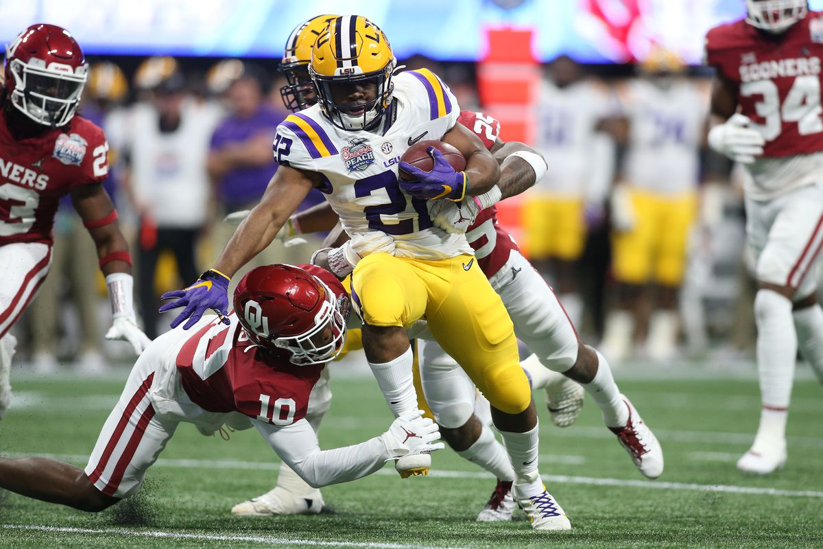 Cfp National Title Game Odds Tracking Clyde Edwards