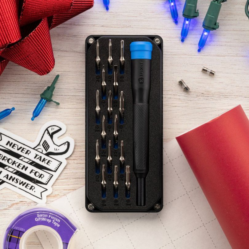 A picture of the iFixit Minnow kit