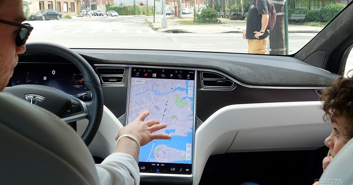 Tesla asked to recall 158,000 cars for failing displays