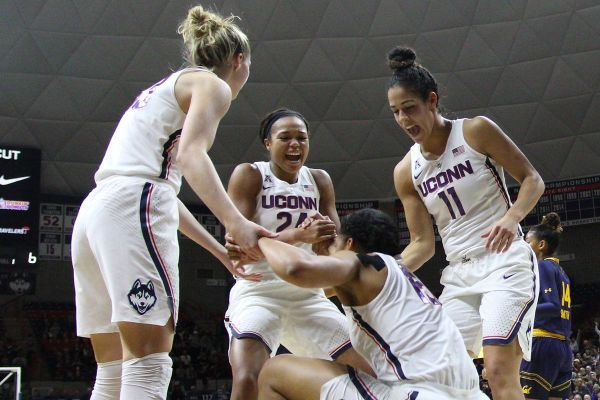 UConn Women's Basketball Cleans Up First Wave of AAC ...