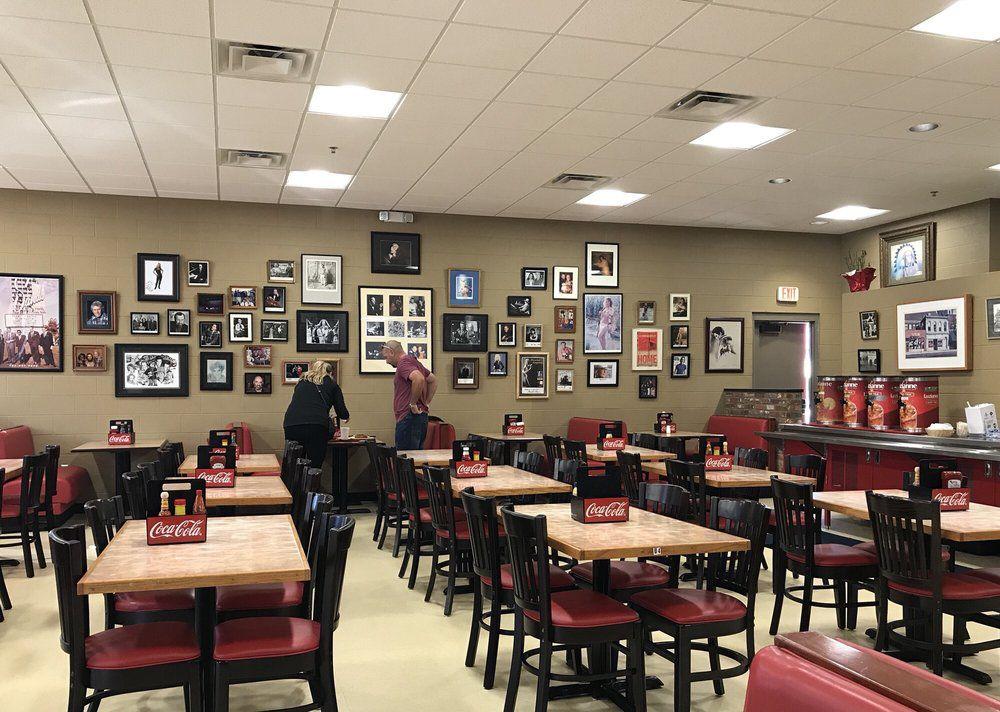6 Nashville Tourist Trap Restaurants That Are Actually