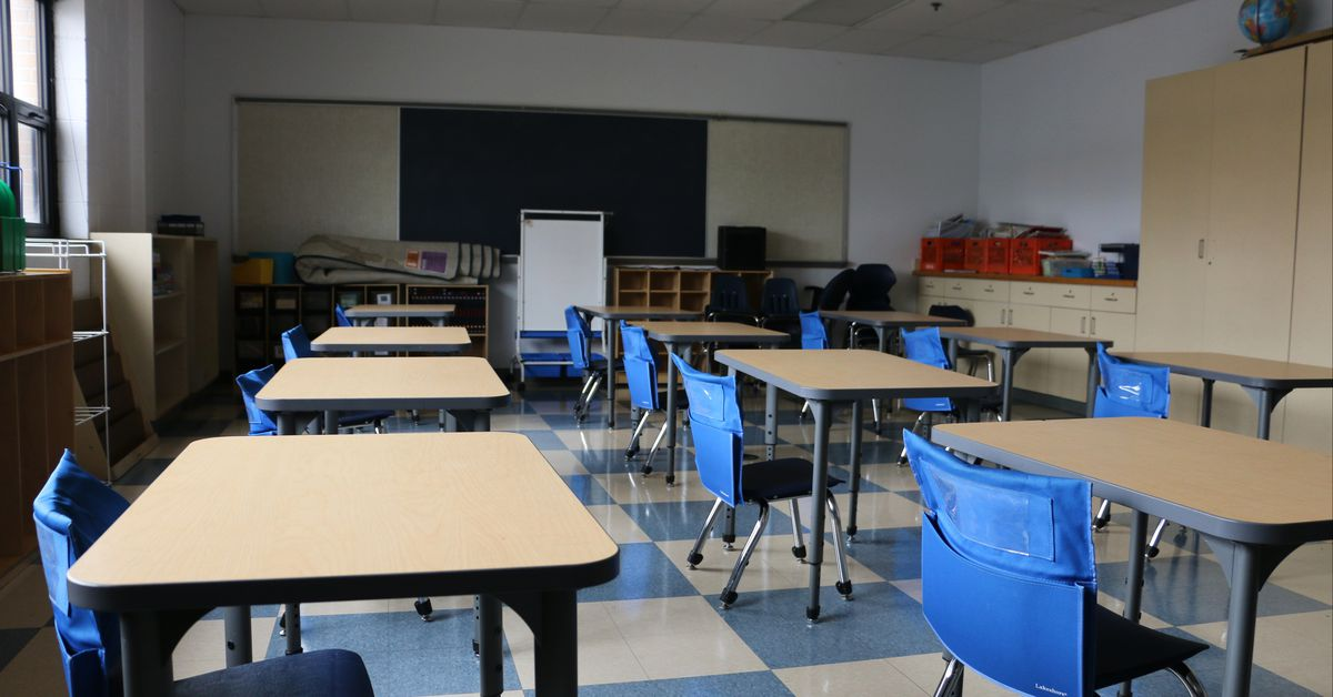 Detroit district extends pause on in-person learning a week as COVID surges in Michigan