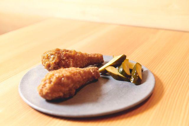 Momofuku Ko Bar's chilled fried chicken