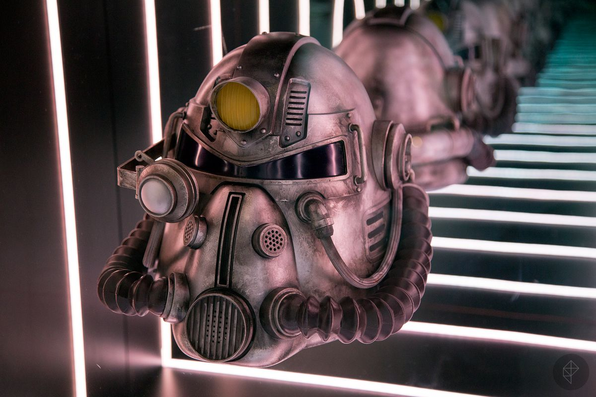 Fallout 76 Power Armor Helmet At Bethesdas E3 Booth Looks Mighty Nice Polygon