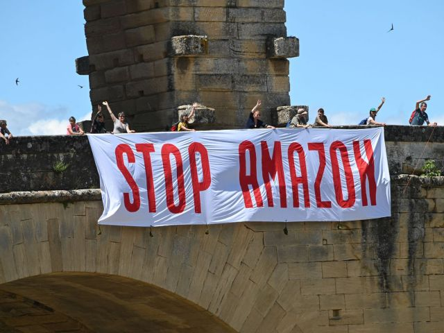 FRANCE-AMAZON-ECONOMY-DEMO