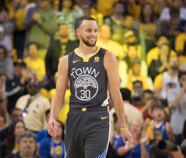 Warriors Double Digit Betting Favorites In Game  Vs Pelicans