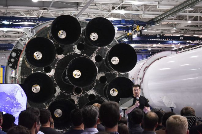 llopatto_180917_2962_0027.0 Elon Musk co-authored a COVID-19 antibody study of SpaceX workers | The Verge