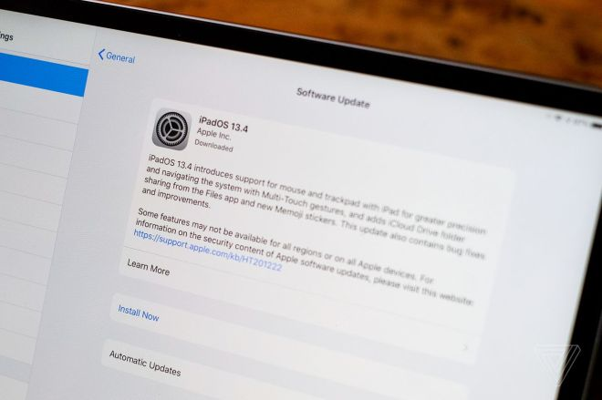 EA0D9A24_4E62_44A1_9AD2_DE3D6ED2CC15_2659_000000BCD875A85A.0 You can try the iPad's new trackpad and mouse support right now with Apple's public beta | The Verge