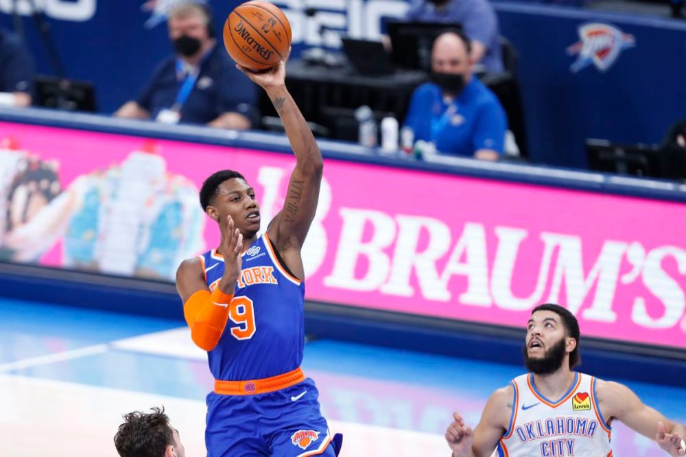 Knicks 119, Thunder 97: Scenes from the Knicks' starting lineup achieving  its final form - Posting and Toasting