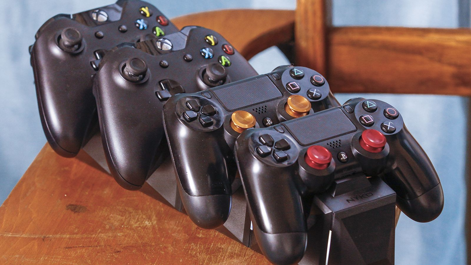 PlayStation And Xbox Controllers Together In Perfect Harmony With This Charger Polygon