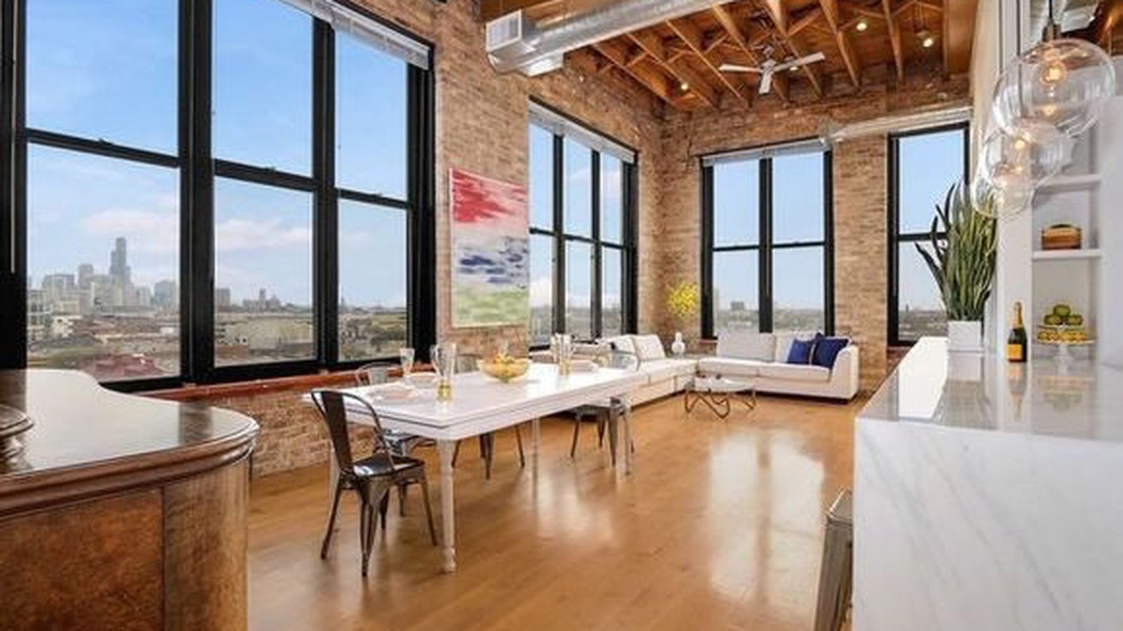 Snazzy Clybourn Corridor Timber Loft Has Sweet Skyline