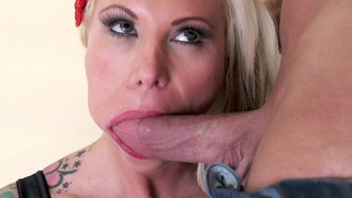 Dirty slut Lolly_Ink gives no hand deepthroat blowjob thumb