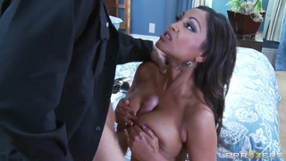 Indian pornstar Priya knows what he wants thumb