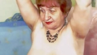 Horny redhead granny touch her mature pussy on_cam thumb