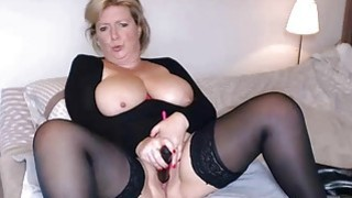 Busty mature masturbates and squirts in Sybiljoh46 webchat thumb