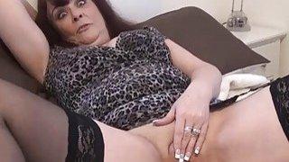 Mature voyeur amateurs masturbating and spy footag thumb
