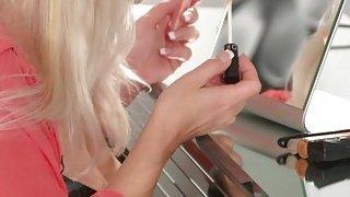 Super hot blonde_mom in lingerie bangs thumb