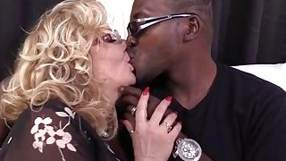 Cougar Karen Summer gets her pussy fucked by a big black cock thumb