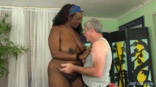 A Masseur Gives Fat Ebony Heather Mason Sex Toy Orgasms thumb