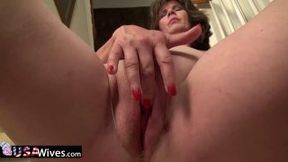USAwives Hot Milfs Got Naked And Toyed Pussies thumb