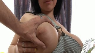 Horny chick Ellen gets her pussy teased and fingered and gives blowjob thumb