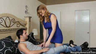 Horny cougar woman Robbye Bentley blows and gets her muff eaten thumb