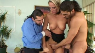 Insatiable blonde MILF Mandy Bright shows her deepthroating skills thumb