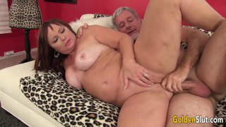 Chubby and Mature Isabelle Love Gets Her Pussy Licked and Fucked thumb