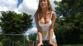 Playground babe Laura Love_is horny for dirty_things thumb