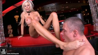 Flexible Puma Swede gets her toes sucked hard thumb