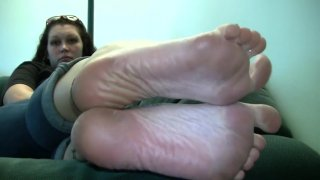 Lacey's Candid Stinky Soles_Part_5 thumb