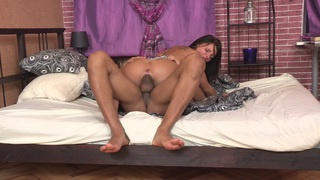 Francheska in horny guy drills the cunt of a hot naked chick thumb
