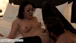 Jennifer White Shows First Timer a Good Time thumb