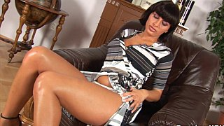 Astounding_Latina_babe_with_marvellous_body thumb