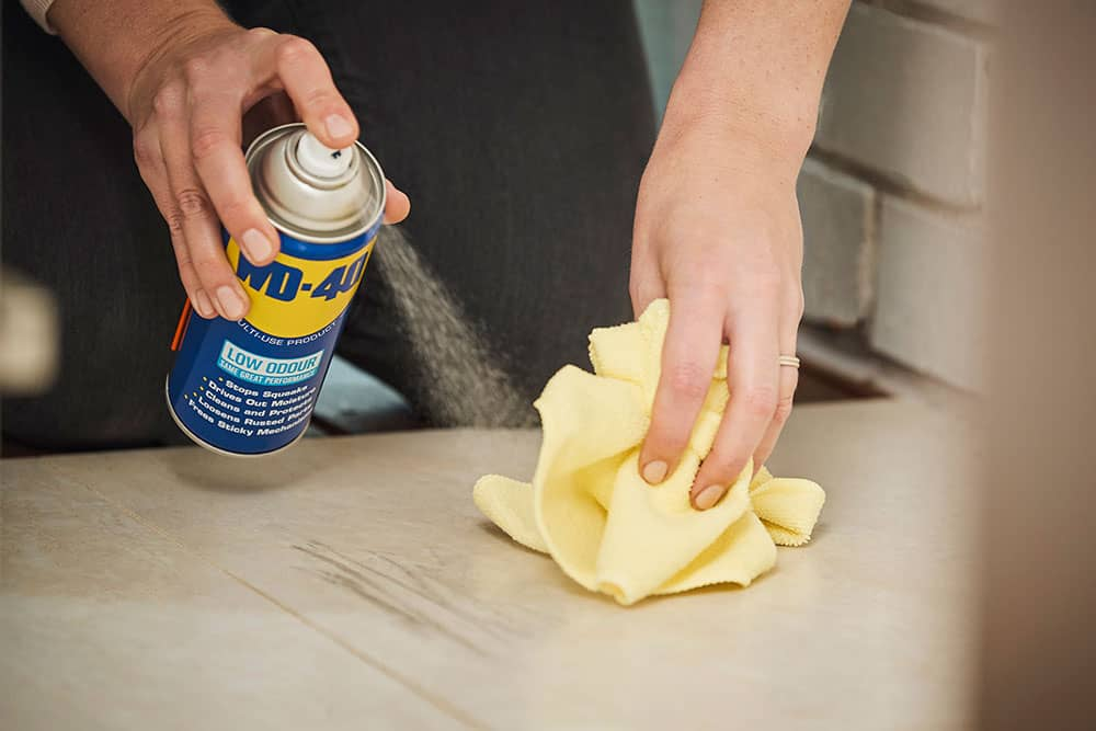 wd 40 to remove rust from tiles