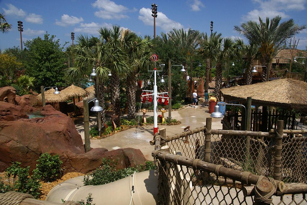 AKL - Pools And Kidani Village Q