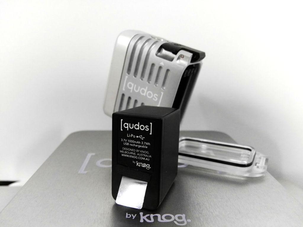 Luz de vídeo de acción Qudos Action de Knog [Reseña] - bateria-qudos-action
