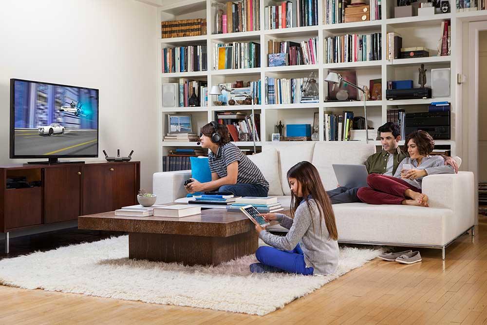 Linksys EA8500 el ruteador inalámbrico que garantizar una conectividad Wi-Fi ininterrumpida - linksys_router_livingroom