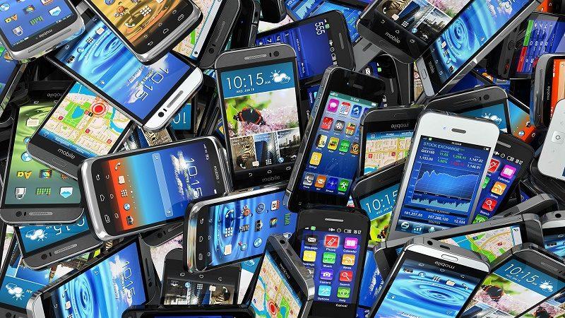 Mexicanos cuentan con uno a tres dispositivos móviles: Asus - mobile-smartphones-pile-ss-1920-800x450