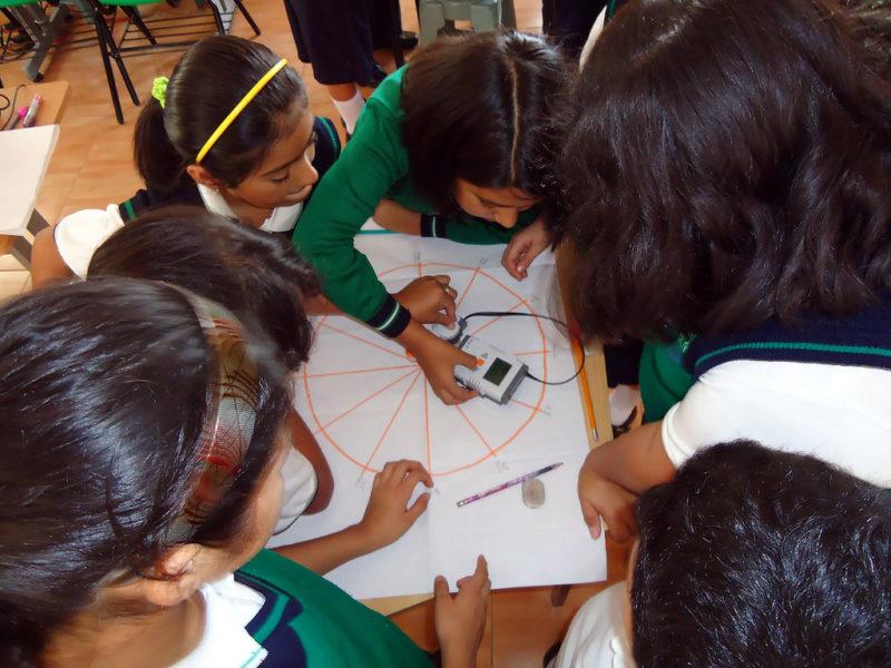 Usan robots con niños mexicanos para enseñar matemáticas - plataforma-robotica2-800x600