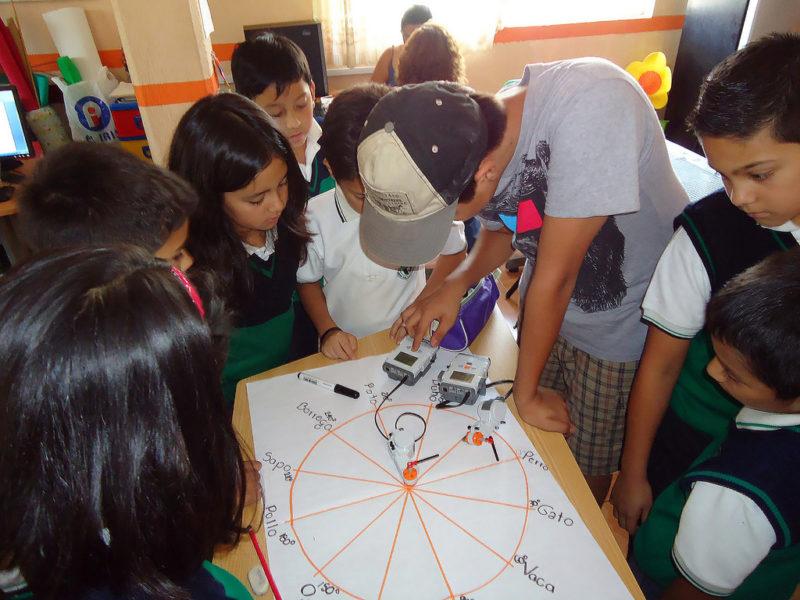 Usan robots con niños mexicanos para enseñar matemáticas - plataforma-robotica3-800x600