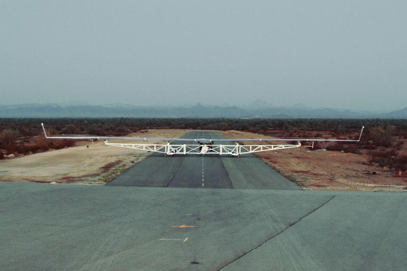 Aquila, el dron de Facebook que lleva internet, realizó su primer vuelo - primer-vuelo-aquila-facebook-1
