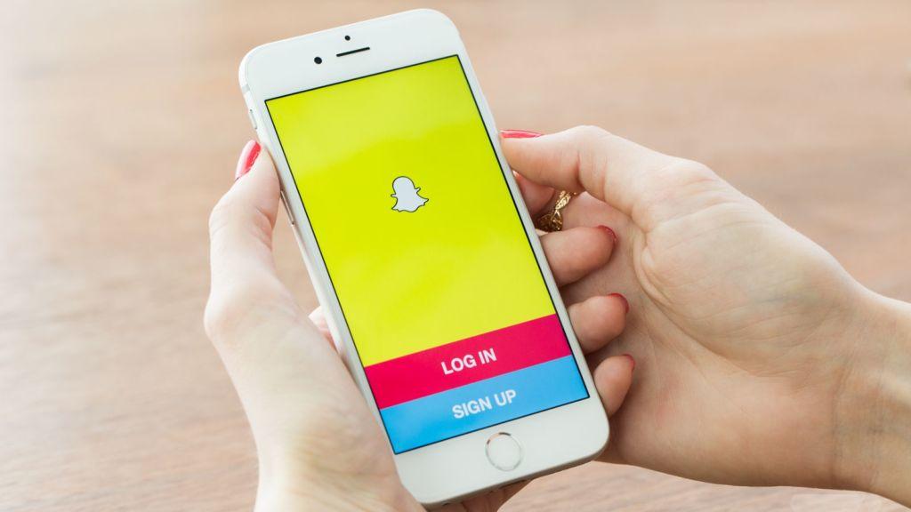 Apple estaría trabajando en un competidor contra Snapchat - apple-iphone-snapchat