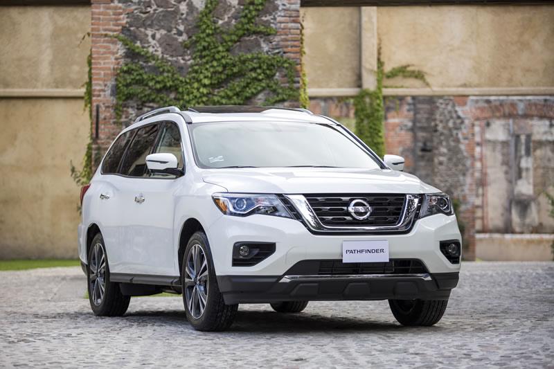 Maneja lo inesperado este 2017 con una Nissan Murano, Pathfinder o Rogue - nissan-pathfinder-2017