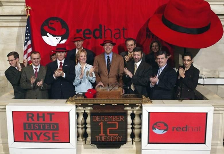 Red Hat celebra su ingreso a la Bolsa de Nueva York hace 10 Años - red-hat