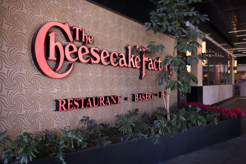 The Cheesecake Factory inaugura su tercer restaurante en México - the-cheesecake-factory-de-parque-delta_3-800x534